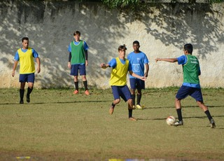 Treino Atlético Mogi (Foto: Cairo Oliveira)