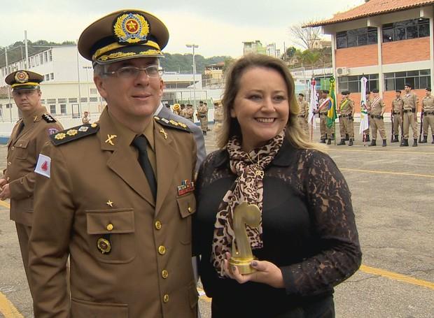Diretora de Jornalismo recebeu a homenagem (Foto: Divulgação)