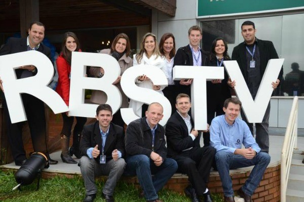 RBS TV Santa Rosa comemorou 20 anos com Jornal do Almoço especial (Foto: Gelson Waier/ RBS TV)