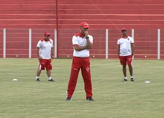 Mazola Júnior, técnico do Vila Nova (Foto: Reprodução/TV Anhanguera)