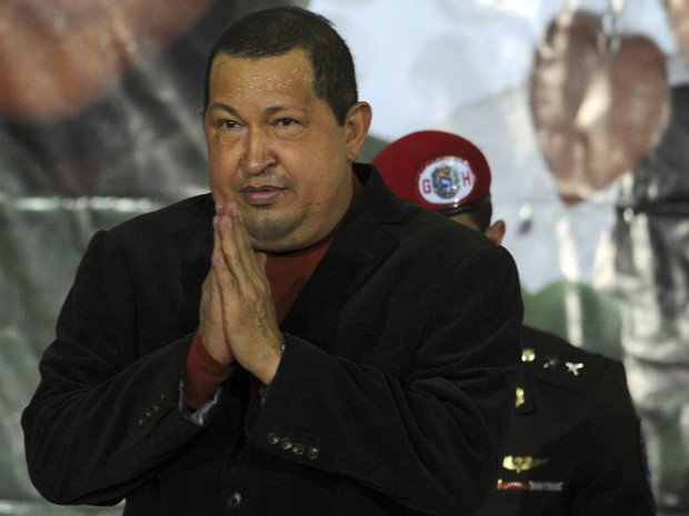 Hugo Chavez adverte sobre nacionalização de bancos (Foto: Juan Barreto / AFP)