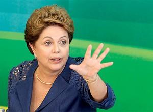 POR FAVOR... PARE, AGORA! O troca-troca no Congresso expõe a crise entre Dilma Rousseff e o PMDB (Foto: André Dusek/Estadão Conteúdo)