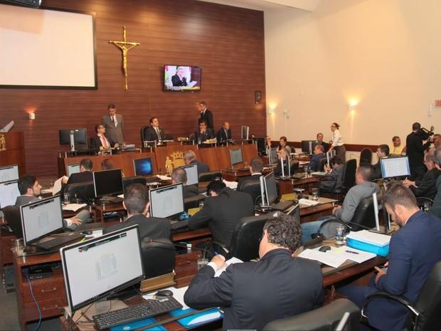 Votação foi de 12 votos a favor do projeto e 11 contra (Foto: Édio Hélio Ramos/Câmara Municipal de Florianópolis)