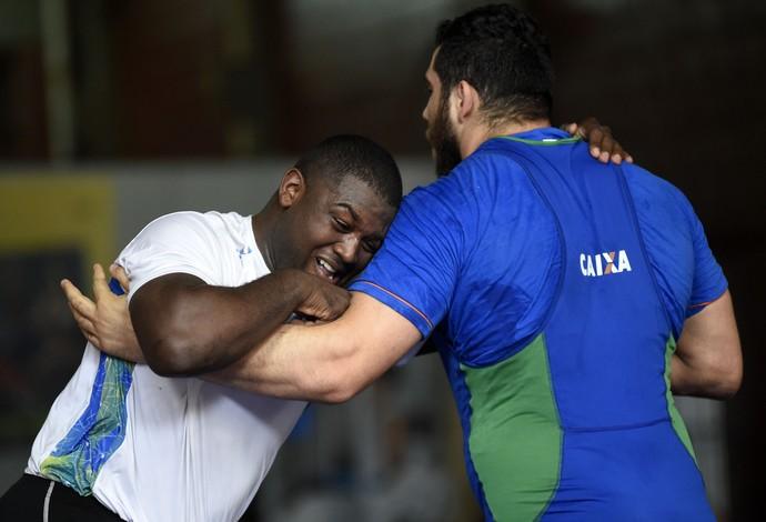 Davi Albino, luta olímpica (Foto: André Durão)