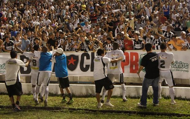 botafogo-pb 2x1 treze no estádio almeidão (Foto: Phelipe Caldas)