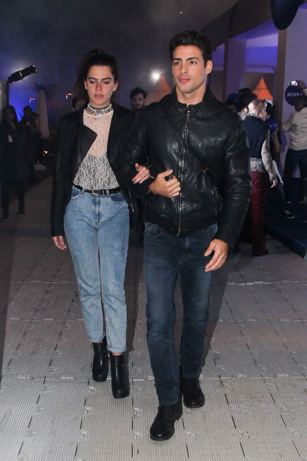 Cauã Reymond e Mariana Goldfarb (Foto: Manuela Scarpa / Brazil News)