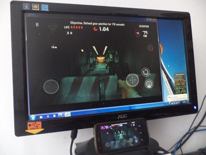 Jogos com múltiplos toques na tela funcionam perfeitamente (Foto: Reprodução / Dario Coutinho)