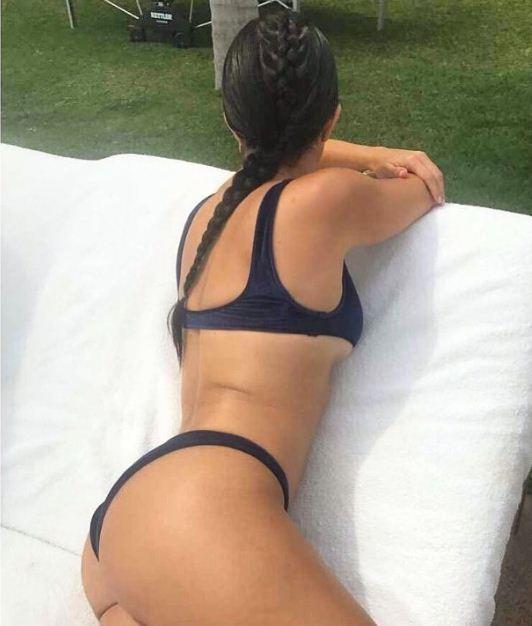 Kourtney Kardashian exibe corpão em foto postada por sua hairstylist  (Foto: Reprodução/Instagram)