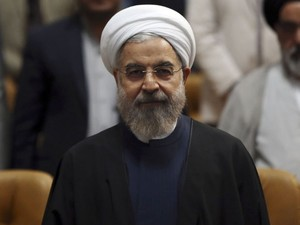 O presidente do Irã, Hassan Rohani, durante a Jornada Nacional da Tecnologia Nuclear nesta quinta-feira (9) (Foto: Vahid Salemi/AP)