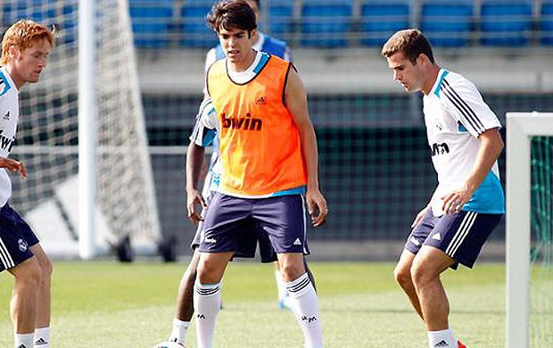 kaka real madrid treino (Foto: Reprodu&#231;&#227;o / Site oficial do Real Madrid)
