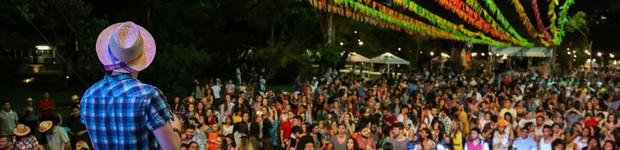 Arraiá universitário oferece música, comidas típicas e diversão (editar título)