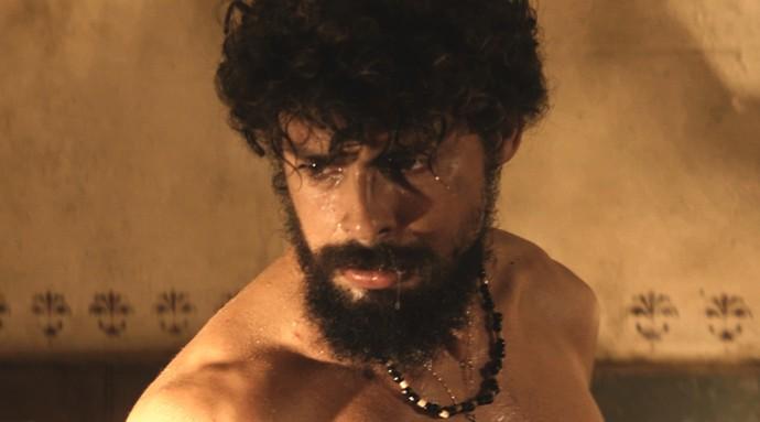 Cauã Reymond exibirá barba farta na pele de Omar, um dos gêmeos  (Foto: TV Globo)