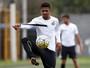 Com dois de Diogo Vitor, Santos B goleia Real Cubatense em jogo-treino