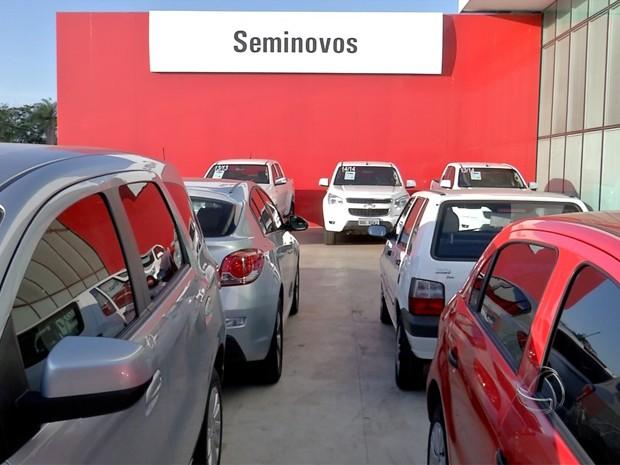Venda de veículos seminovos volta a crescer (Foto: Reprodução/TV Morena)