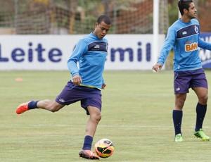 Mayke; Cruzeiro, treino; Toca da Raposa II (Foto: Washington Alves / Vipcomm)