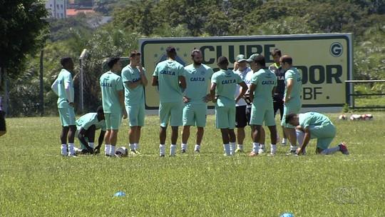 Kleina aposta em qualidade na saída de bola para Goiás dar volta por cima