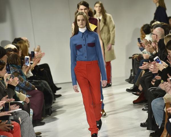 O desfile da Calvin Klein, comandado por Raf Simons, foi um dos mais aguardados da NYFW (Foto: Getty Images)