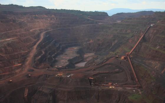 Mineração na Serra dos Carajás, no Pará, Amazônia (Foto: Fabio Olmos/Divulgação)