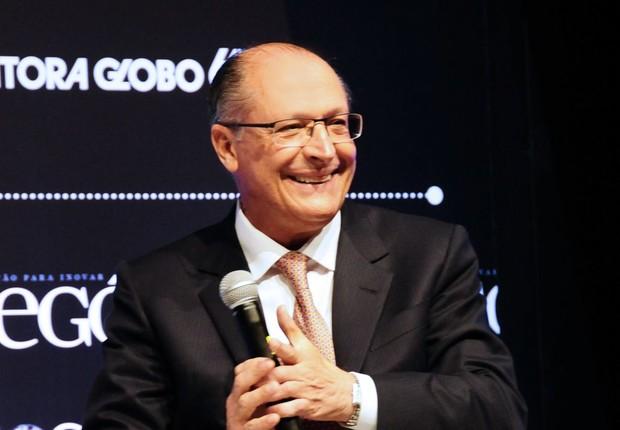 O governador do estado de São Paulo, Geraldo Alckmin, participa de talk show durante o Época NEGÓCIOS 360° (Foto: Sylvia Gosztonyi/Editora Globo)