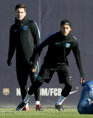 Neymar Messi treino Barcelona (Foto: Reuters)