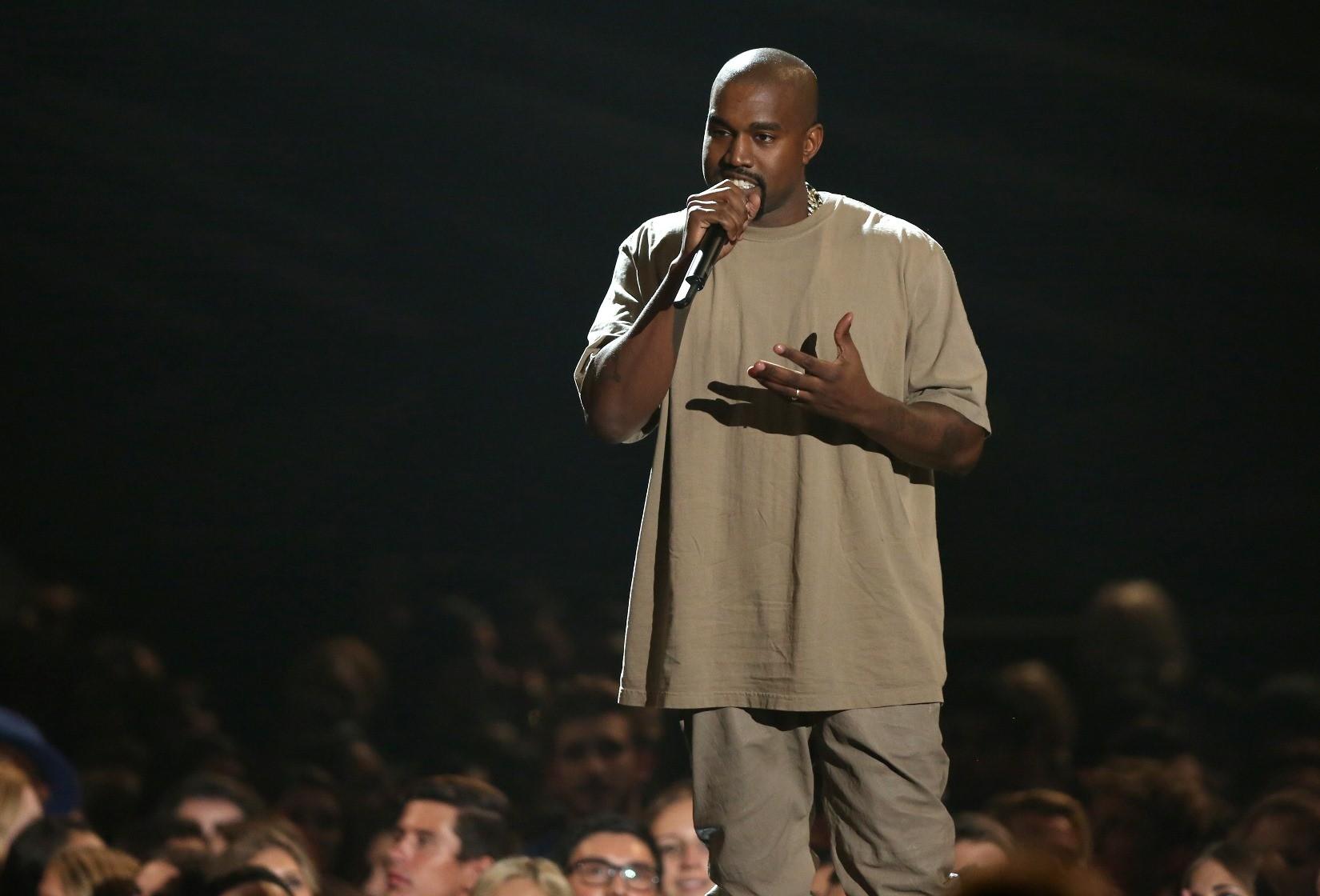 Kanye West lanou msica surpresa nesta sexta-feira (3) (Foto: AP)