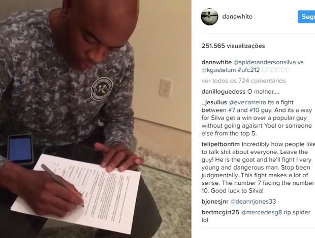 BLOG: Dana publica vídeo com Anderson Silva assinando contrato de luta com Gastelum