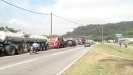 Mais caminhoneiros aderem à paralisação no Leste de Minas