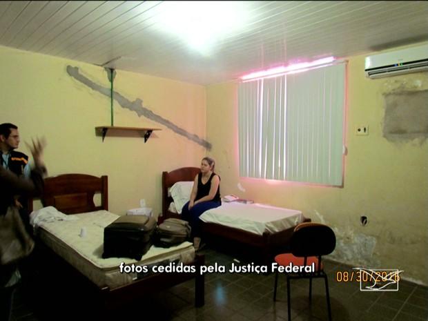 Ex-prefeita Lidiane Leite em alojamento no Corpo de Bombeiros (Foto: Justiça Federal)