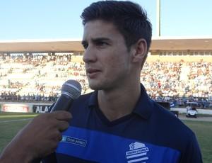 Everaldo, atacante do CSA (Foto: Leonardo Freire/Globoesporte.com)