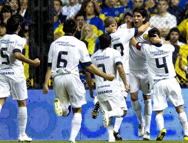 Loco Abreu gol Rosário contra Boca Juniors (Foto: AFP)