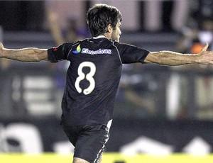 Juninho Pernambucano comemora gol do Vasco contra o Náutico (Foto: Alexandre Cassiano / Ag. O Globo)