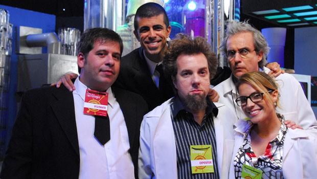 Pedrão, Jorginho e os cientistas que sofrem na mão da dupla (Foto: CEDOC Globo)