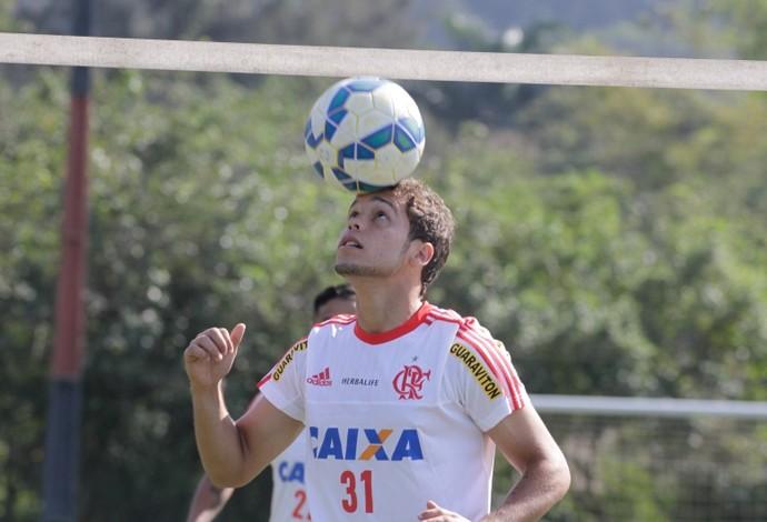 Douglas Baggio participou do treino deste sábado no Ninho do Urubu (Foto: Gilvan de Souza / Flamengo)