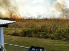 Incêndio é registrado em terreno de aeroporto em Rio Branco