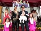 Vera Viel e Rodrigo Faro recebem convidados para a festa de aniversário das filhas, em São Paulo