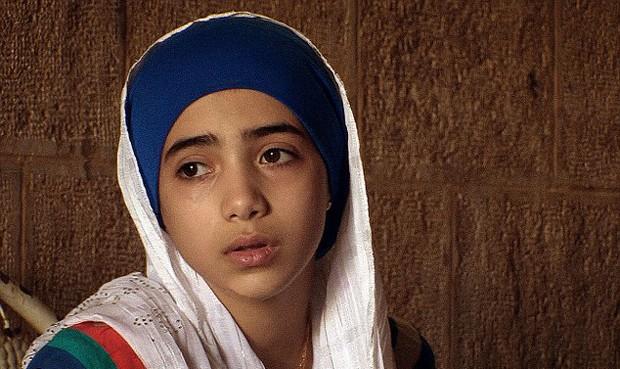 A MENINA FARAH (Foto: Channel 4)