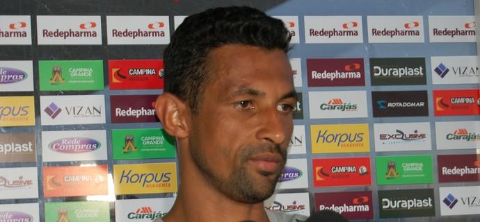 Edson Veneno, zagueiro do Campinense (Foto: David Henrique / TV Paraíba)