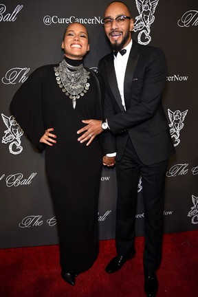 Alicia Keys, grávida, e o marido, Swizz Beatz, em evento em Nova York, nos Estados Unidos (Foto: Dimitrios Kambouris/ Getty Images/ AFP)