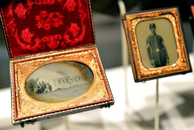 Fotografias da Guerra Civil expostas no Met em Nova York (Foto: Stan Honda/AFP)