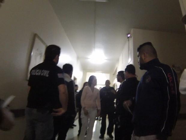 Polícia Civil fez operação neste madrugada em São Roque (Foto: Maicon Gereti/TV TEM)