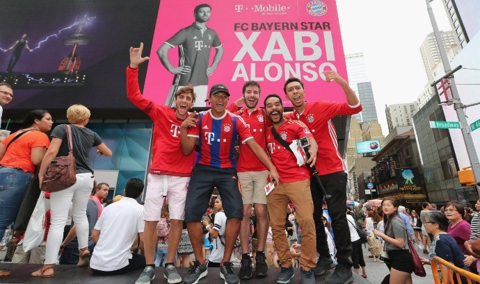 BLOG: Evento com jogadores do Bayern de Munique é destaque na Times Square