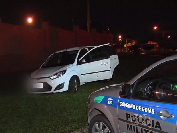 Perseguição terminou em tiroteio entre policiais e suspeitos de roubo em Goiás (Foto: Reprodução/ TV Anhanguera)