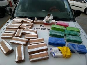 PM de Friburgo apreende 23 kg de drogas (Foto: Divulgação/Polícia Militar)