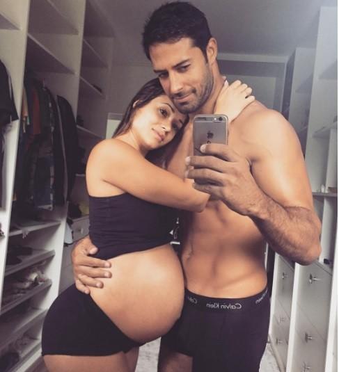 Aryane e o namorado (Foto: Instagram)