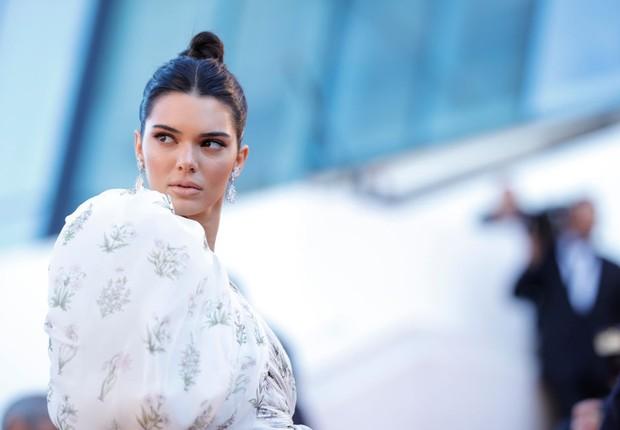 A modelo Kendall Jenner no tapete vermelho do Festival de Cannes, na França (Foto: Andreas Rentz/Getty Images)