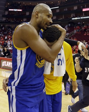 Leandrinho e Stephen Curry, Golden State Warriors (Foto: AP)