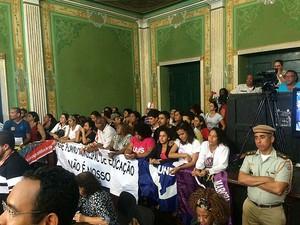 Votação do Plano Municipal da Educação na Câmara de Salvador, Bahia (Foto: Alan Oliveira/ G1)