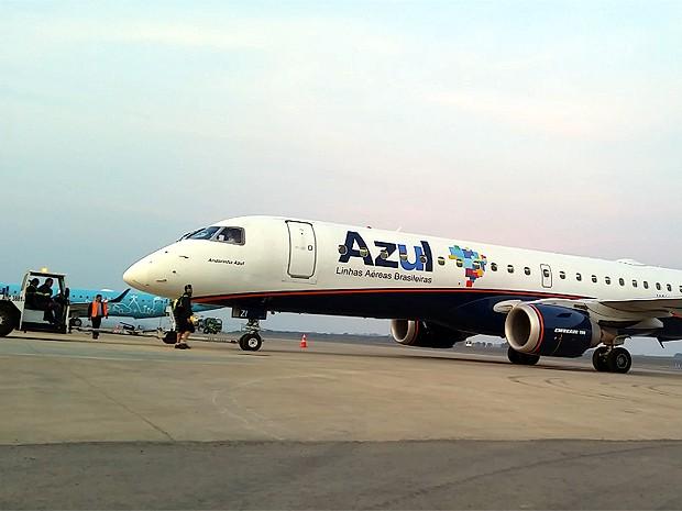 Avião da Azul Linhas Aéreas parte de Viracopos para Campinas (Foto: Reprodução EPTV)