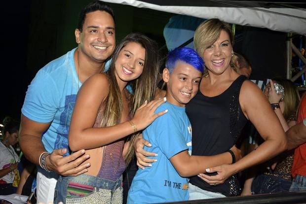 Família de Carla Perez e Xanddy (Foto: Joilson César/Ag Haack)