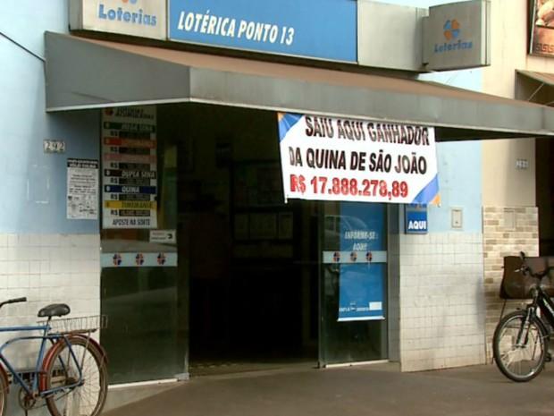 Lotérica de Colina (SP) teve aposta premiada na Quina de São João (Foto: Cláudio Oliveira/EPTV)
